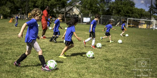 Soccer in French: 7 sessions of fun